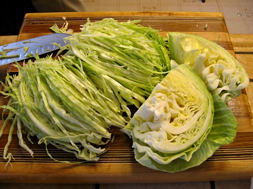 sauerkraut-chopping-cabbage