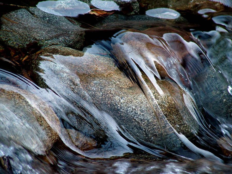 flowing-water-ben-wa